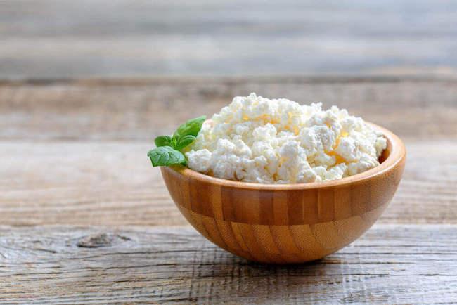 protein içeren yiyecek süzme peynir
