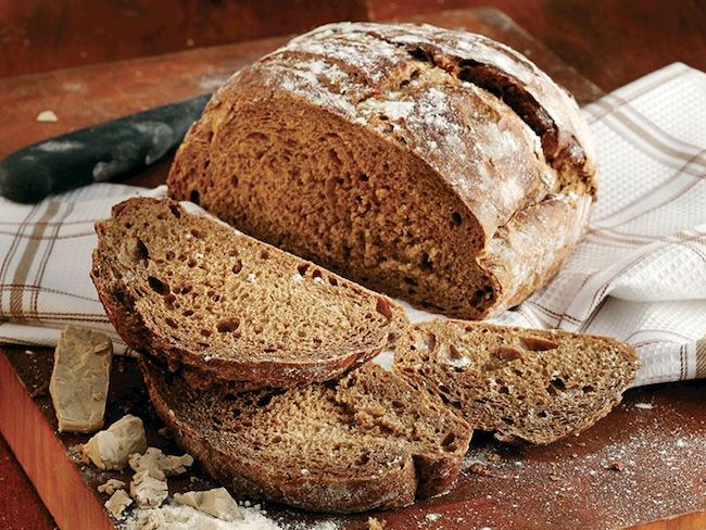 protein içeren yiyecek tam buğday ekmeği